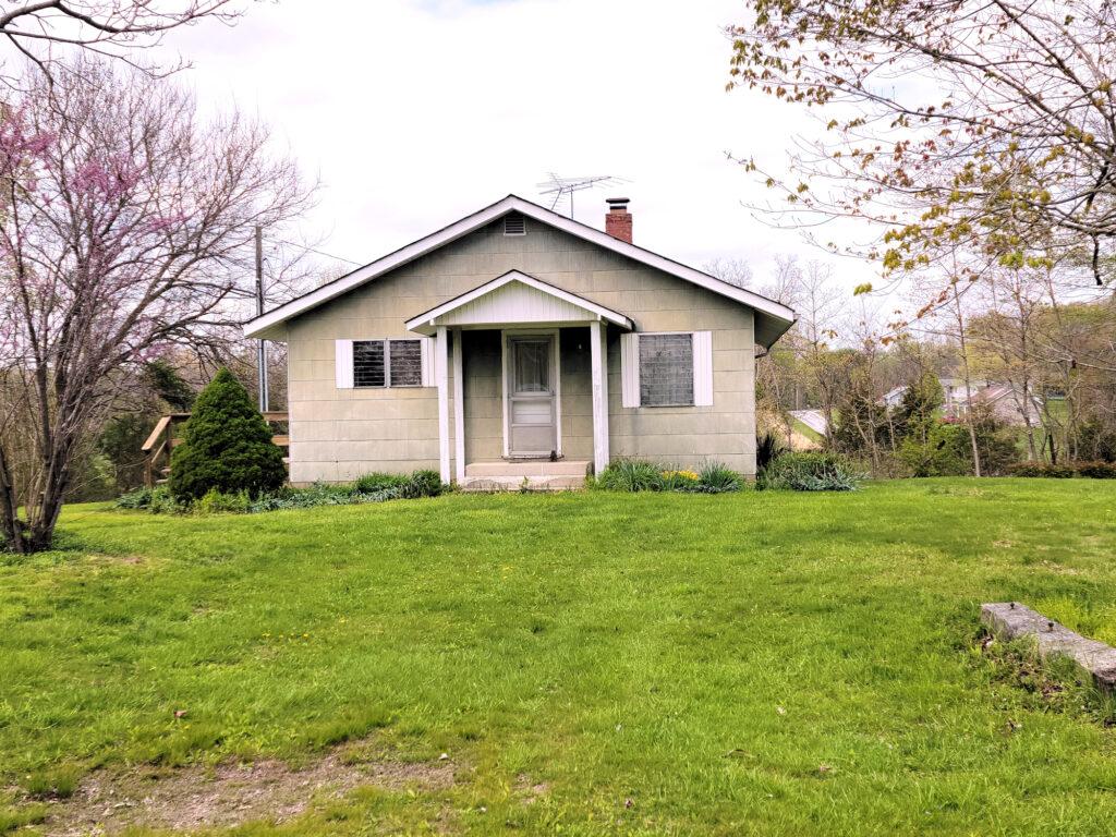 Grandma Pearcy's HIlltop Retreat home